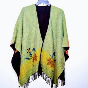 NEW Accessory Street Reversible Floral Wrap Ca…